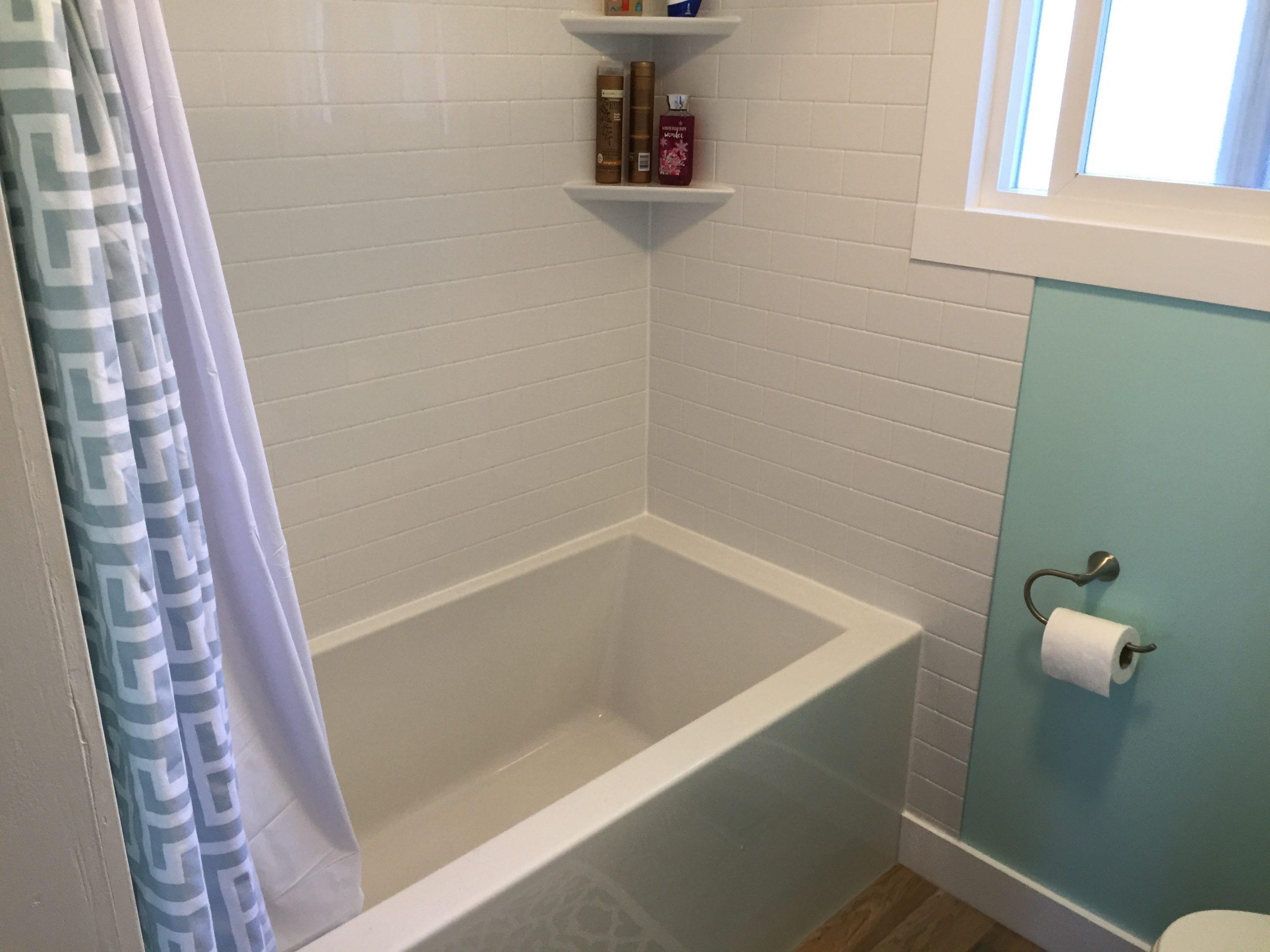 Tub Reglaze Tile Walls by Cassidy Dahl, Dahl Tubs, Prince George